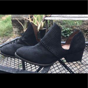 Rebels black leather booties 7.5